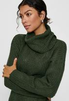 Jacqueline de Yong - Danilla long sleeve roll neck dress knit - green