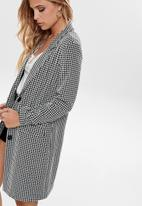 Jacqueline de Yong - Besty fall hounds tooth jacket - black & white