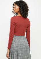 Blake - Fitted cropped cardi - rust