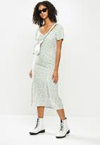Blake - Puff sleeve midi dress with slit - sage & white
