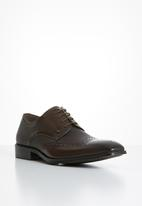 POLO - Gibson leather pin punch wing cap - brown