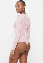 Missguided - Pearlised button front rib bodysuit - lilac