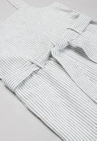 KIDS ONLY - Canyon linen stripe jumpsuit - cloud dancer & dark denim blue