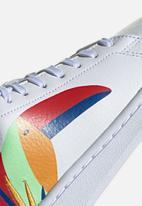 adidas Performance - Advantage - white/royal blue