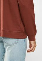 Levi's® - Long sleeve relaxed crew - burgundy