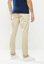 GUESS - Fashion chino pant - nomad beige