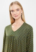 Jacqueline de Yong - Enzo tier dress - olive & yellow