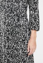 Jacqueline de Yong - Melvin life 7/8 long dress - black & white