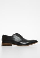 Superbalist - Keith leather lace-up derby - black