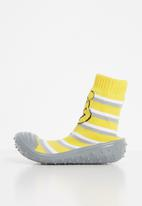 Character Group - Winnie the pooh rubber socks - yellow