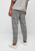 edit - Check woven jogger - black & white