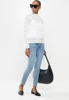 Jacqueline de Yong - Madelyn long sleeve smock top - white