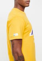 NBA - Icon lakers straight hem printed T-shirt - yellow