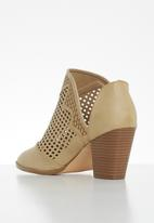 Butterfly Feet - Lettie ankle boot - beige