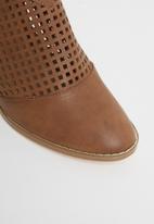 Butterfly Feet - Lettie ankle boot - tan