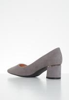 Butterfly Feet - Zoey court - grey