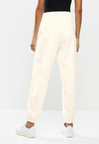 PUMA - Classic relaxed jogger - off white