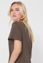 Jacqueline de Yong - Olisa life 2/4 tee - brown