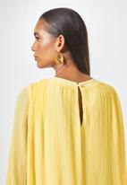 Superbalist - The ultimate pleated maxi dress - yellow