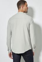 Superbalist - Lee regular fit mandarin knit shirt - grey