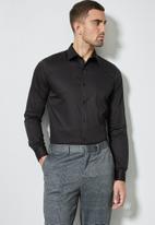 Superbalist - Jos slim fit cotton sateen long sleeve shirt - black