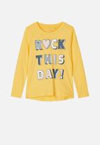 name it - Veen printed top - yellow