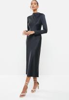 VELVET - Long sleeve satin slip midi dress with shoulder pads - black