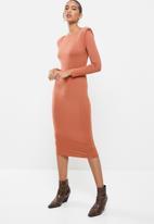 VELVET - Knit shoulder pad longline bodycon dress - rust