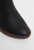 Miss Black - Omega ankle boot - black