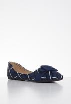 Butterfly Feet - Niki pump - navy
