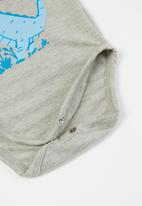 Superbalist Kids - Baby boys bodysuit, leggings & bib set - grey & blue