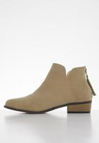 Butterfly Feet - Sia bootie - taupe