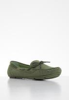 Butterfly Feet - Naomi boat shoe - khaki