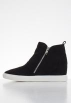 Butterfly Feet - Heron ankle boot - black