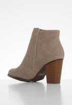 Miss Black - Alham ankle boot - pink