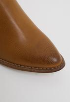 Plum - Genesis western boot - tan