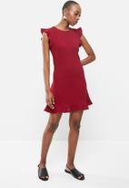 MANGO - Short ruffled dress - burgundy