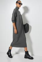 Superbalist - Dropped shoulder poloneck dress - charcoal