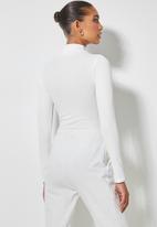 Superbalist - Single white funnel neck bodysuit - white