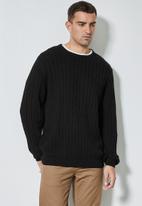 Superbalist - Regular fit cable knit jersey - black