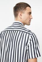 MANGO - Traca shirt - navy & white