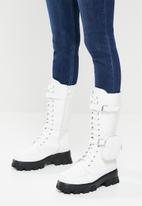Footwork - Quad combat boot with detachable pouch - white