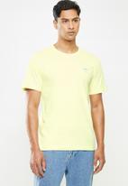 adidas Originals - Essential tee - yellow