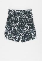 Nike - Avalanche short - black & white