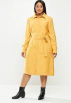 Me&B - Plus trench dress - mustard