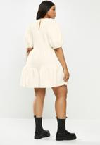 Me&B - Plus tiered quilted knit dress - off white