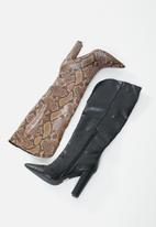 Public Desire - Slow boot - brown