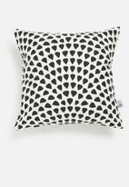 Sixth Floor - Raindrop outdoor cushion cover - black & white