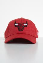 New Era - Shadow tech 9forty Chicago Bulls - red
