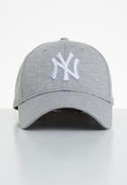 New Era - Jersey essential 9forty New York Yankees - grey